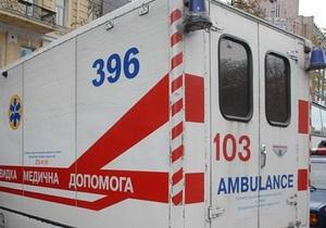 В Запорожье нетрезвая студентка сорвалась с третьего этажа, когда лезла по канату из простыней