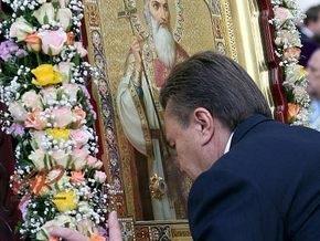 Янукович: Вмешиваясь в церковные дела, власть подталкивает страну к расколу