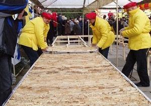 В Севастополе испекли блин весом почти 700 килограммов