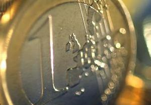 Евро на межбанке продолжил небольшое снижение