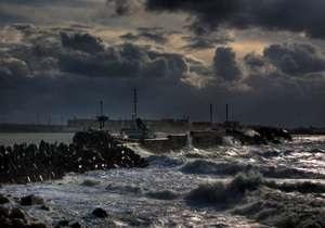 Крушение судна Василий: поиски моряков осложнены погодными условиями