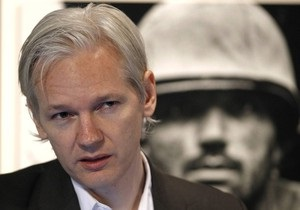 Основателя WikiLeaks разыскивает Интерпол