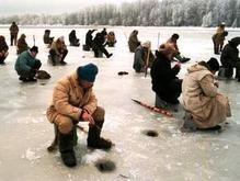 Бойцы МЧС сняли 21 рыбака с километровой льдины