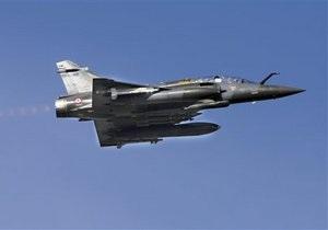 ВВС Франции нанесли удар по авиабазе сил Каддафи