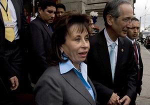 Бывшей первой леди Гватемалы не разрешили участвовать в выборах несмотря на развод с мужем