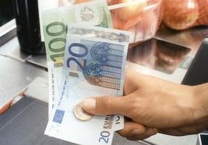 Евро продолжил стремительный рост на межбанке