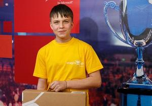 Конкурс от Microsoft выиграл школьник из Донбасса, научившийся превращать любую поверхность в сенсорную