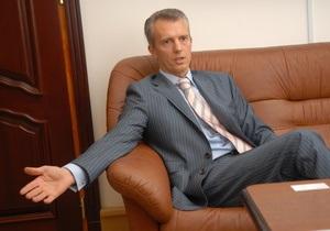 Янукович уволил Хорошковского с должности вице-премьера