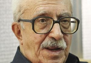 СМИ: Тарик Азиз объявил голодовку