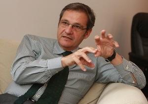 Тейшейра: ЕС не принимал решения об отмене запланированного саммита с Украиной