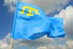 Крымские татары утвердили сегодня национальные флаг и гимн