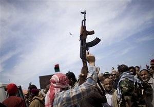 Это будет в десять раз хуже, чем в Ираке: в Триполи заявили, что раздают оружие гражданскому населению