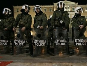 В здании греческого телеканала открыли стрельбу