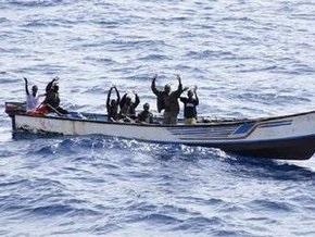 Ситуация на судне Hansa Stavanger обостряется