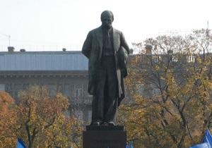 Янукович сократил размер Шевченковской премии на 40 тысяч грн