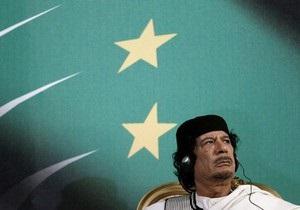 Каддафи назвал Саркози  душевнобольным  и обвинил его в военных преступлениях