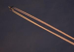 Азаров заявил, что договорился с Гонконгом о прямом авиасообщении