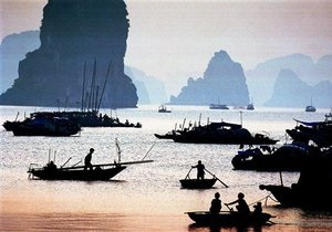 Жертвами аварии лодки с туристами во Вьетнаме стали 12 человек