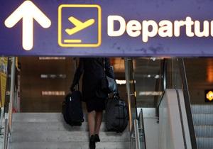 Стюардесс итальянской авиакомпании обязали сесть на диету