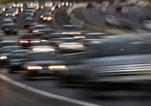 На житомирской трассе временно ограничили движение транспорта
