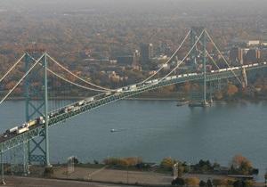 Самый загруженный мост между Канадой и США перекрыли из-за сообщения о бомбе