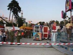 16 человек почти на час застряли вниз головой на немецком аттракционе