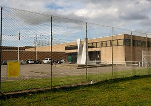 В Бельгии осужденным на срок до трех лет разрешат отбывать заключение дома