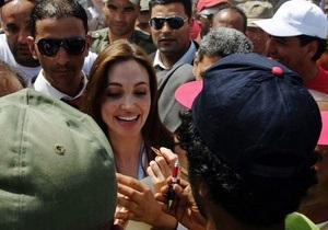 Джоли назначили специальным послом ООН по делам беженцев