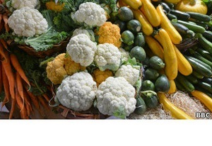 Коммунист Таранин покидает Думу ради овощей - Би-би-си
