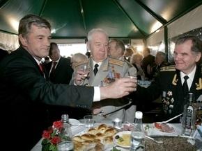 В Народной самообороне припомнили, как Ющенко и его жена употребляли алкоголь