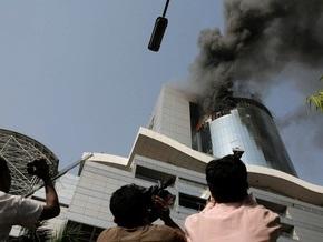 В крупнейшем торговом центре Бангладеш возник пожар: один человек погиб