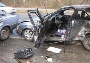 Под Киевом произошло ДТП с участием пяти автомобилей, есть пострадавшие