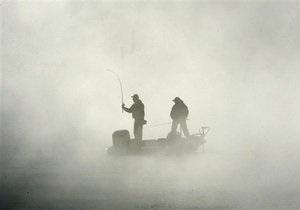 В Азовском море ищут троих рыбаков