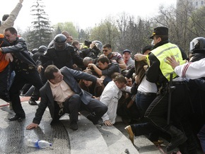 Молдова отказалась от обвинений в адрес Румынии в организации беспорядков