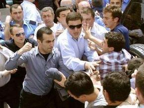 В столкновении с охраной парламента Грузии ранены семь оппозиционеров