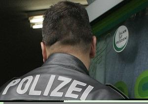 В Германии полицейского обязали заплатить тысячу евро штрафа за неудачную шутку в аэропорту