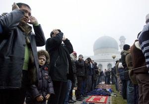 Казахстанских имамов обвинили в сексуальной эксплуатации женщин