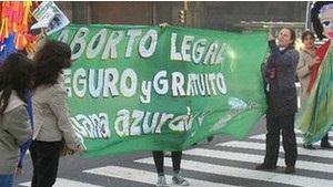 Аргентина разрешает аборты в случаях изнасилования