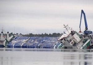 Власти Швеции эвакуировали четырех украинских моряков с накренившегося судна
