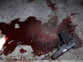 На парковке в Москве водитель джипа открыл огонь по прохожим: четверо пострадавших