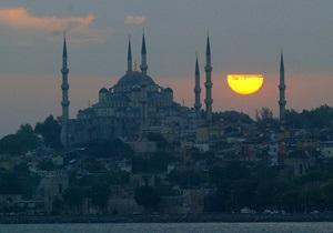 Украинские туроператоры приостановили проведение экскурсий в Стамбуле