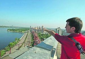 В Киеве начали водить экскурсии по крышам