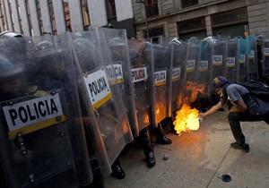 Инаугурация президента Мексики: в столкновениях протестующих с полицией пострадали 20 человек