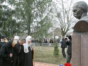 Ющенко о памятнике Мазепе: Мэр Полтавы топчется по украинскому достоинству