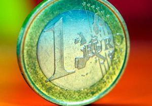 Курс евро снизился на межбанке до 10,70 грн