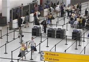 Терминал аэропорта Нью-Йорка эвакуирован из-за угрозы теракта