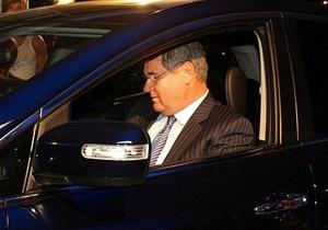 Яцуба обещает подарить Mazda тому, кто докажет покупку министром этой машины