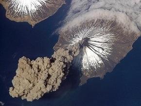 На Аляске проснулся вулкан Редаут
