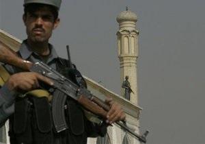 В Афганистане второй день идут бои полицейских с талибами, убиты около 100 человек