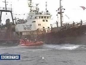 В Охотском море два траулера РФ запутались в сетях